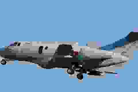 Máy bay quân sự Nhật Bản chở 6 người mất tích