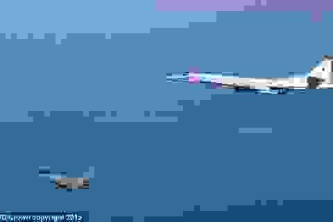 Anh phái tiêm kích Typhoon chặn máy bay ném bom Nga
