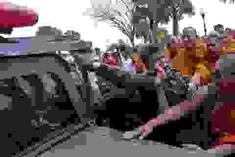 Đụng độ giữa tăng lữ và binh lính tại Thái Lan