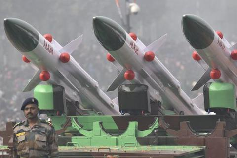 Ấn Độ nhập khẩu vũ khí lớn nhất thế giới