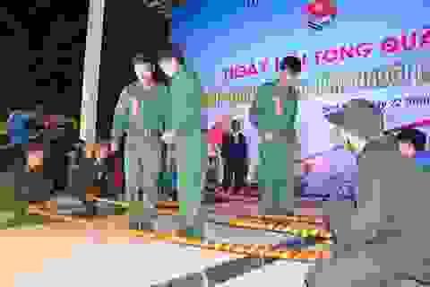Tân binh hào hứng nhảy sạp trước thời khắc lên đường nhập ngũ