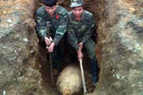 Hoá giải thành công quả bom nặng 450kg