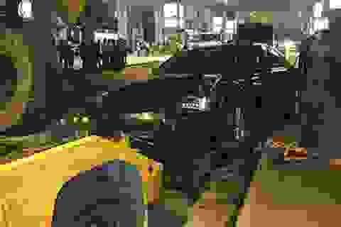 Sẽ khởi tố tài xế tông 11 người tại sân bay
