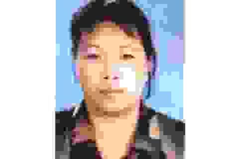 Hà Nội: Bà bán hoa quả lừa được gần 4,7 tỉ đồng và 30.000 USD
