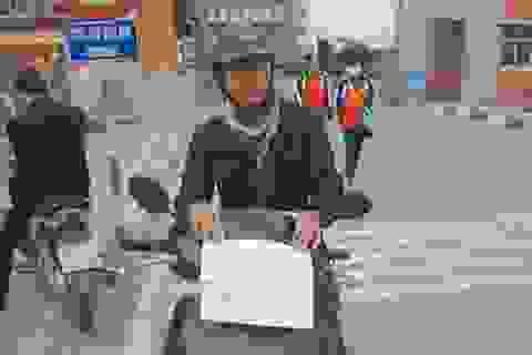 Chàng trai ung thư viết báo, chạy xe ôm giúp người nghèo