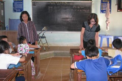 Lớp học tình thương của các cựu giáo chức
