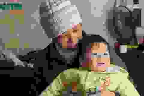 Chuyện cổ tích người mẹ hy sinh đôi mắt để giữ lại mạng sống cho con