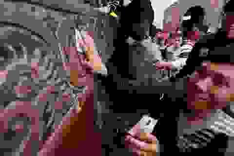 """Những hình ảnh """"không giống ai"""" ở lễ hội Việt"""