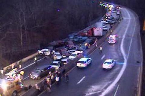 Mỹ: Tai nạn 60 xe liên hoàn làm 3 người chết