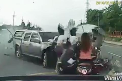 Tai nạn kinh hoàng vì không làm chủ tốc độ