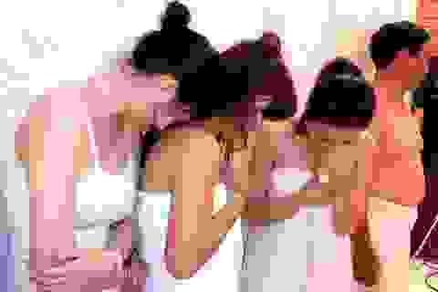 Phá ổ mại dâm ở trung tâm Sài Gòn, tạm giữ 9 người