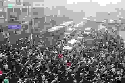 """Cửa ngõ phía đông Sài Gòn """"tê liệt"""" vì đèn tín hiệu không hoạt động"""