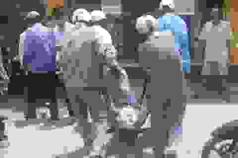 Thanh niên nước ngoài nghi ngáo đá, dọa giết tài xế taxi