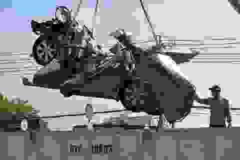 Tài xế container ngủ gật khi tông nát xe con khiến 5 người thiệt mạng?