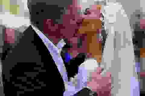 """Phát ngôn viên Điện Kremlin """"gây bão"""" tại lễ cưới lần 3"""