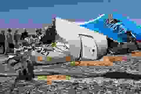 Máy bay Nga nổ vì bị cấy bom giống thảm kịch Lockerbie?