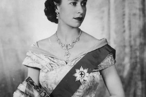 Nữ hoàng Anh thay đổi như thế nào sau 63 năm trị vì?