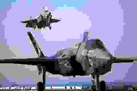 Chiến đấu cơ tàng hình F-35 lần đầu cất cánh bên ngoài nước Mỹ