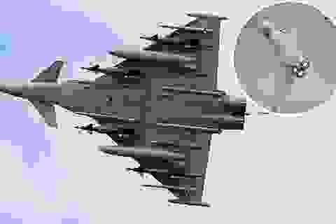 Xem uy lực máy bay chiến đấu đa năng Typhoon của Anh