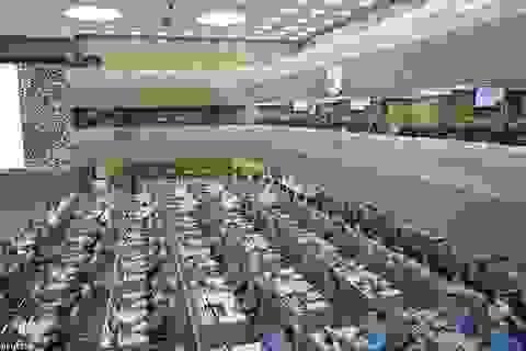 """Choáng ngợp với """"căn phòng chiến tranh"""" tối tân của Nga"""