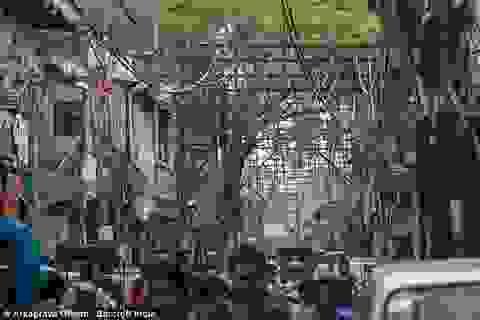 """Cảnh """"rác trời"""" giăng kín thủ đô Ấn Độ"""