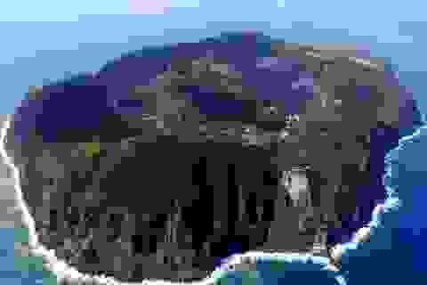 Kỳ lạ đảo núi lửa có người sống ở Nhật Bản