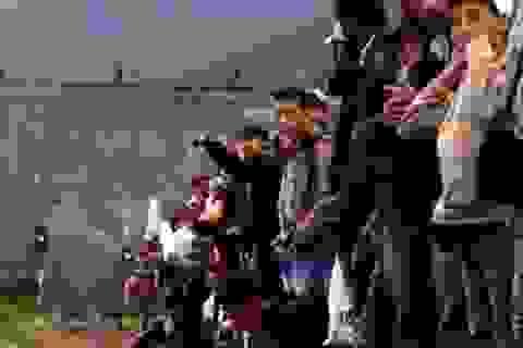 """Ám ảnh khủng bố, Hungary bị chỉ trích """"bài ngoại"""""""