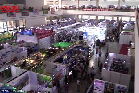 Bên trong hội chợ thương mại sầm uất ở Triều Tiên