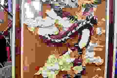 Ngắm bản đồ Việt Nam được trang trí bằng 70 loại gỗ