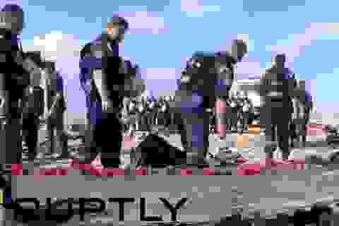 Lực lượng cứu hộ đặt hoa, mặc niệm các nạn nhân máy bay Nga