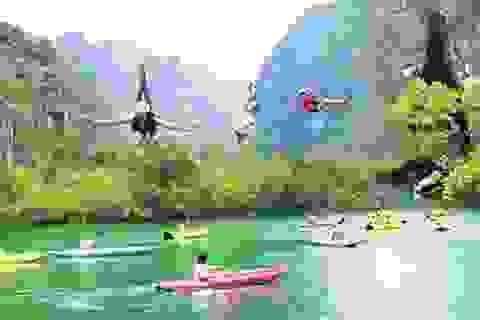 Du lịch mạo hiểm ở sông Chày – hang Tối