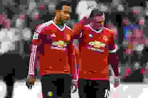 Nhìn lại thất bại cay đắng của Man Utd tại xứ Wales