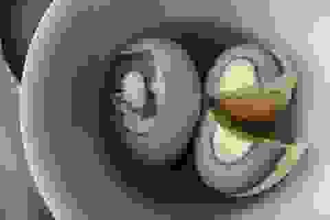 Phát hiện trứng gà chuyển màu đen gây hoang mang
