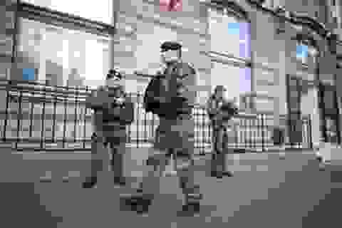 Tiêu diệt khủng bố không thể chỉ bằng súng đạn