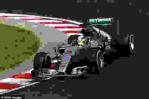 Hamilton thắng dễ dàng trong ngày phân hạng