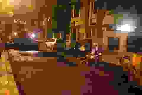 Hà Nội: Công nhân trắng đêm hối hả chuẩn bị cho Đại lễ