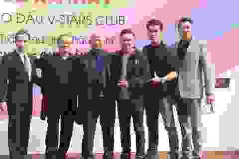 Sao Việt giao lưu bóng đá với cựu cầu thủ Thể Công
