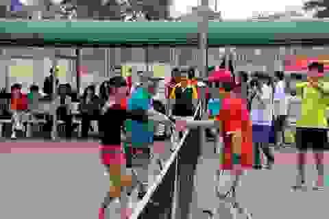 Công đoàn ngành giáo dục tổ chức giao lưu thể thao