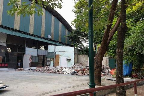 """Hà Nội: Tổ chức phá dỡ công trình """"xẻ thịt"""" công viên Tuổi trẻ"""