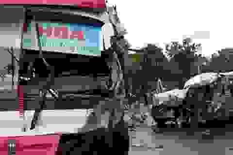 Tai nạn ô tô chở người Việt ở Lào, 8 người thương vong