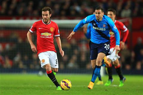 Stoke City - Man Utd: Sóng gió đợi Van Gaal