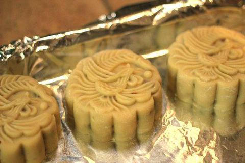 Làm bánh Trung thu tại nhà: Đơn giản