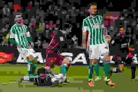 Messi-Suarez rực sáng, Barcelona thắng đậm Real Betis