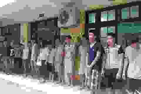 Bắt 18 quái xế đua xe, náo loạn Hà Nội lúc nửa đêm