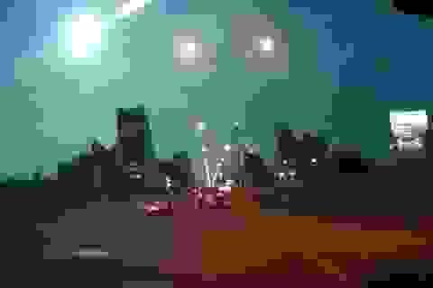 Sao băng thắp sáng bầu trời đêm Bangkok