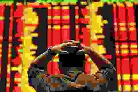 """Nỗi ám ảnh """"tháng 8 đen tối"""" trở lại với nhà đầu tư"""