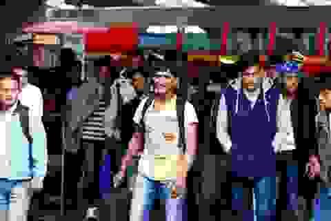 """Nguy cơ khủng bố """"đội lốt"""" người tỵ nạn xâm nhập châu Âu"""