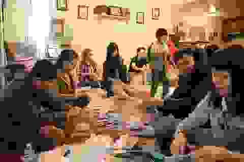 DHS Việt tại California mang Giáng sinh ấm cho người vô gia cư