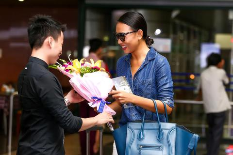 Siêu mẫu Diệu Huyền đẩy mạnh hoạt động tại Hà Nội