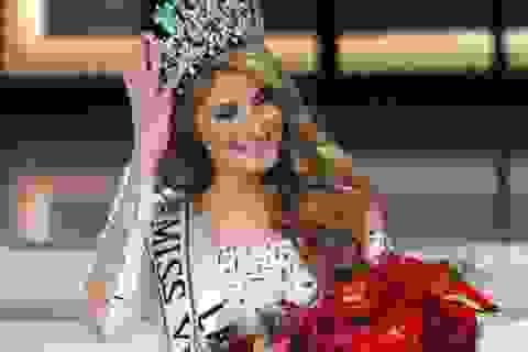 Cận cảnh nhan sắc bốc lửa của tân Hoa hậu Venezuela